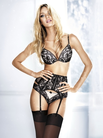 Candice_Swanepoel_hot_Victoria's_Secret_Holiday_Lingerie_2010_Photoshoot_6.jpg